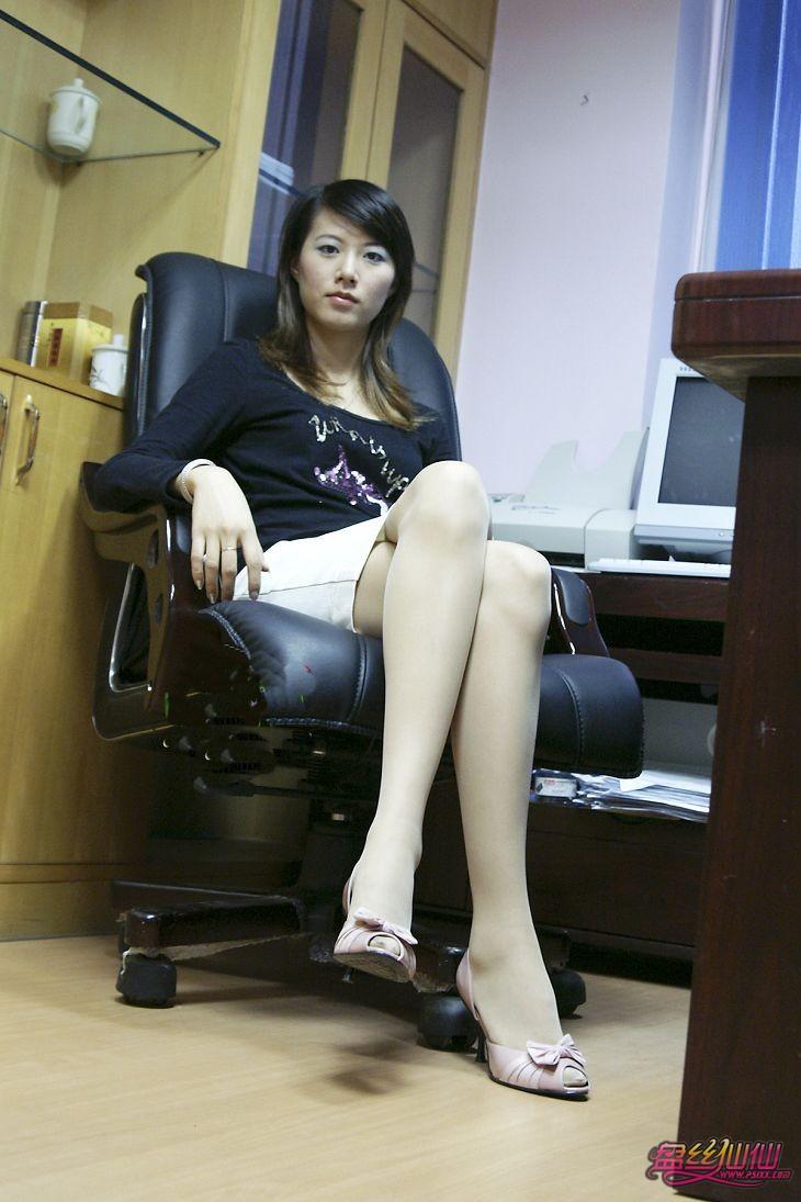 办公室的秘密_原汁原味办公室白领_盘丝仙仙 - 美丝街拍视频网