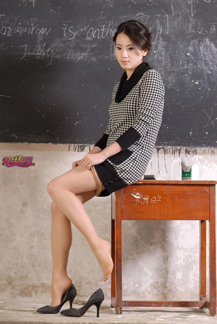 乡村风流_乡村女教师 - 唯美肤色_盘丝仙仙 美丝街拍视频网