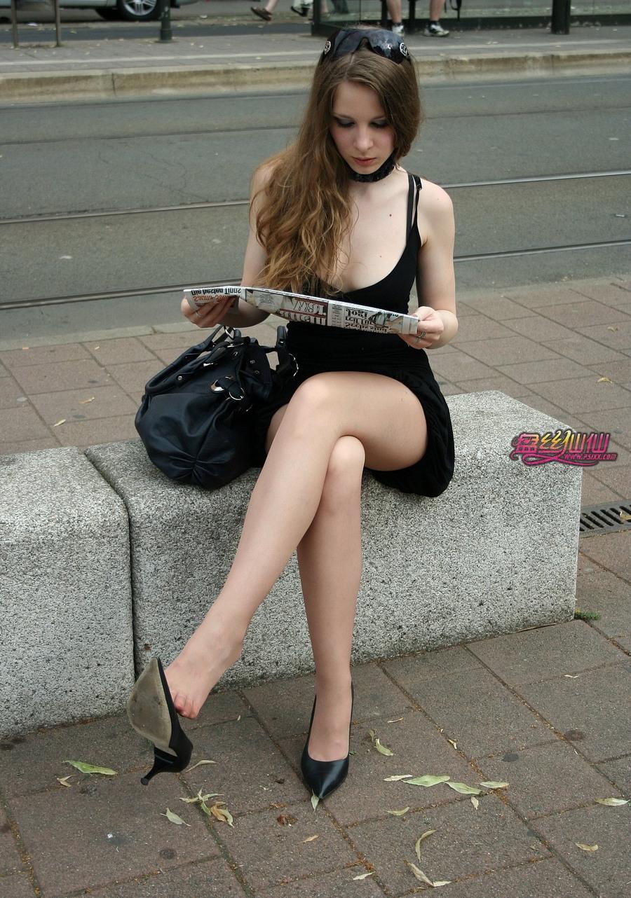 脱丝袜射丝图_黑丝脚_老师舔黑脚丝女_街拍黑丝美女_黑丝脚足交