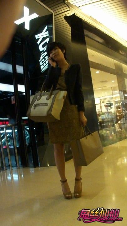 丝 袜少妇_裙底好风光,气质美少妇高跟美腿_盘丝仙仙 - 美丝街拍视频网